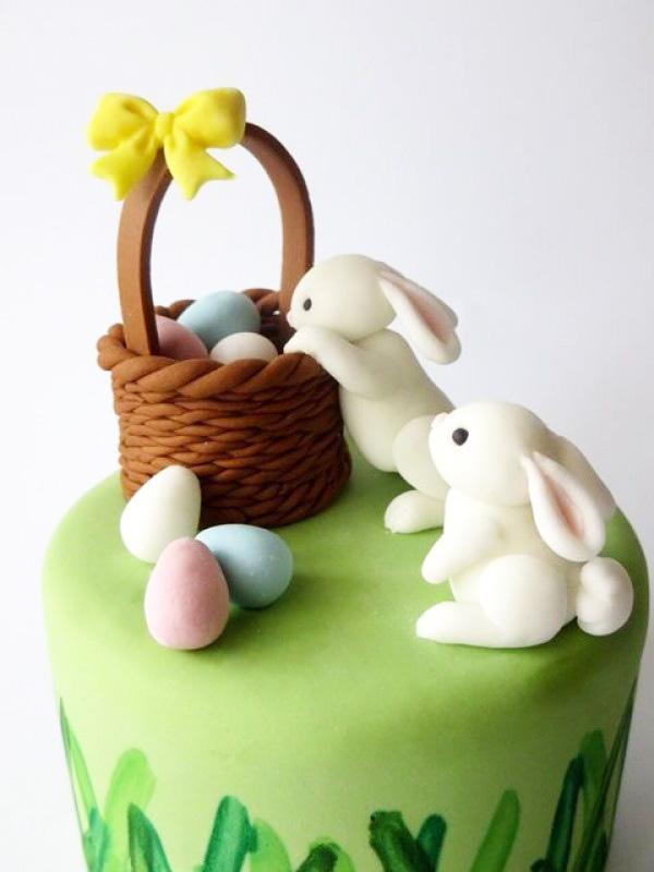 Пасхальный торт с зайцами и корзинкой